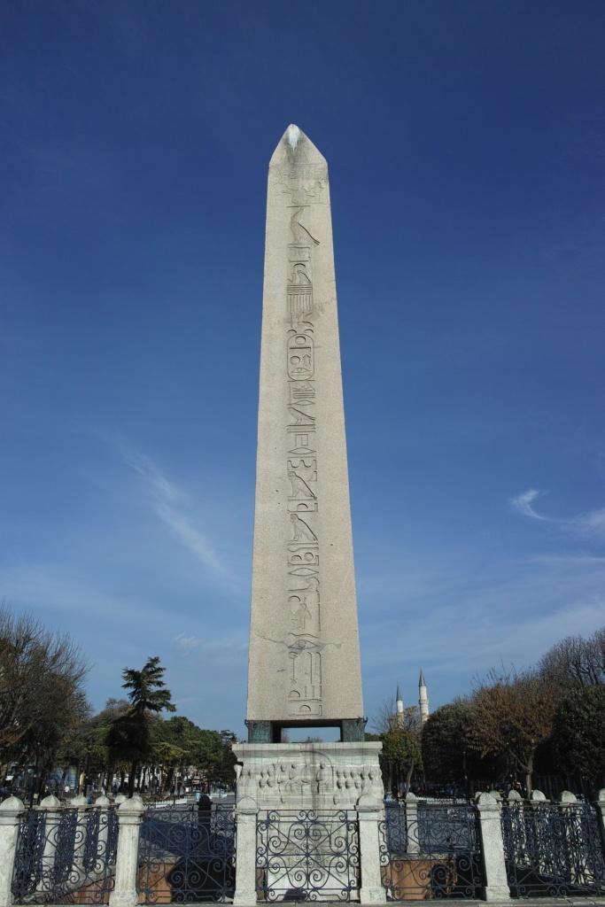 Карнакский обелиск Феодосия в Стамбуле