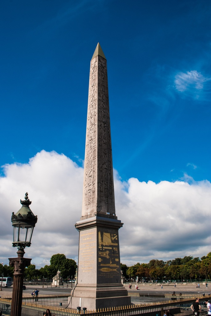 Луксорский обелиск на площади Согласия в Париже - Luxor Obelisk on Place de la Concorde in Paris